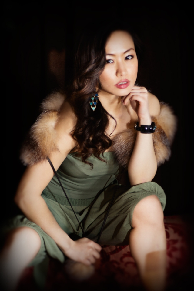 Chinese star Ayi Jihu to present award at Native American Music Awards