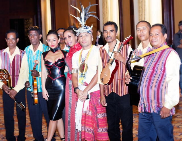 Chinese Star Ayi Jihu with artist from around the world at the special event in Macau