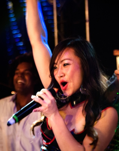 Chinese Star Ayi Jihu performs live in China