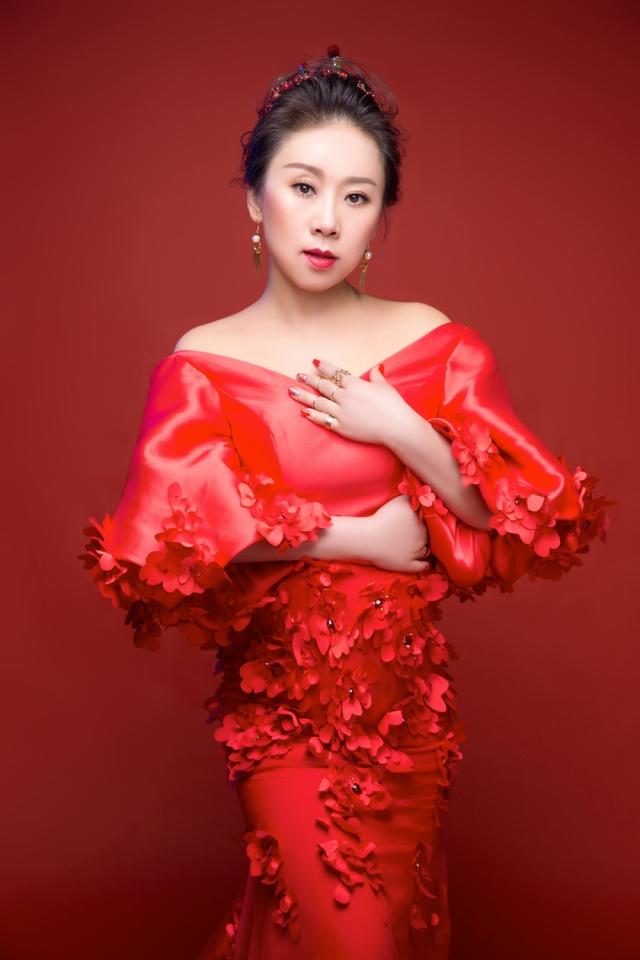 Opera Star Zhang Yu Carolyn is flying into Wales to perform at the G Salvatore Fashion showcase