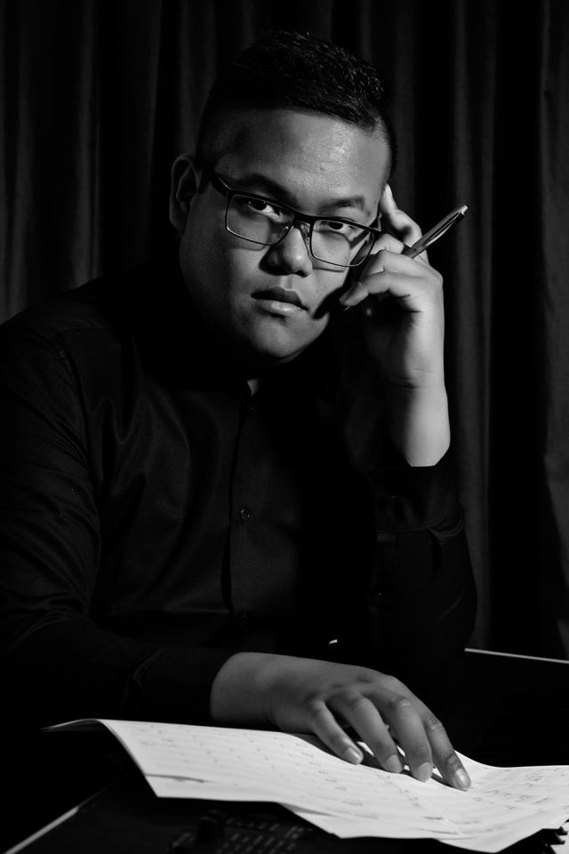 Singer, Songwriter, composer and musician Sam Driz